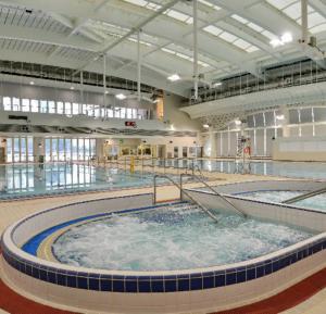 兒童游泳班(堅尼地城游泳池)傲洋游泳會