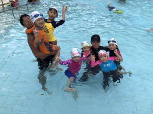 游泳班課程-兒童游泳班-兒童游泳課程-成人游泳班-成人游泳課程-嬰兒游泳班-嬰幼兒游泳班課程-學游水-傲洋游泳會-上課情況